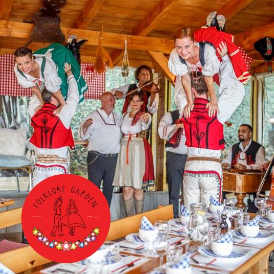 Zábavná folklorní show<br>s dobrým jídlem<br>a pitím