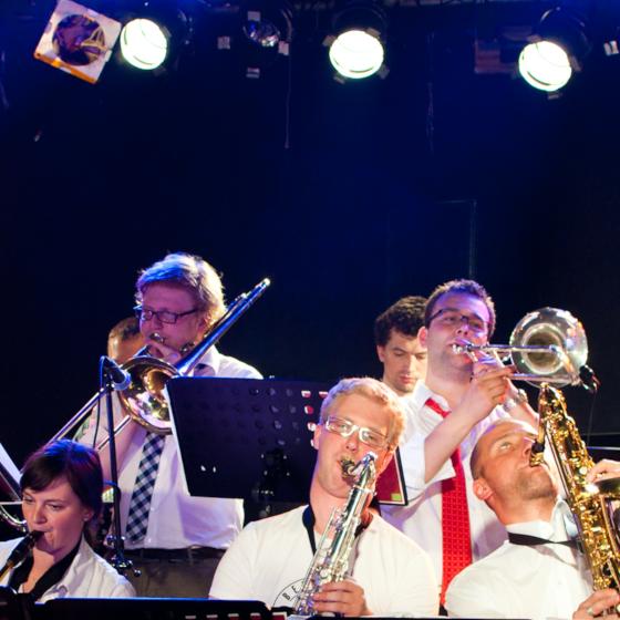 Magnum Jazz Bigband<br><font color=red>vstupenky na pokladně Malostranské Besedy</font>