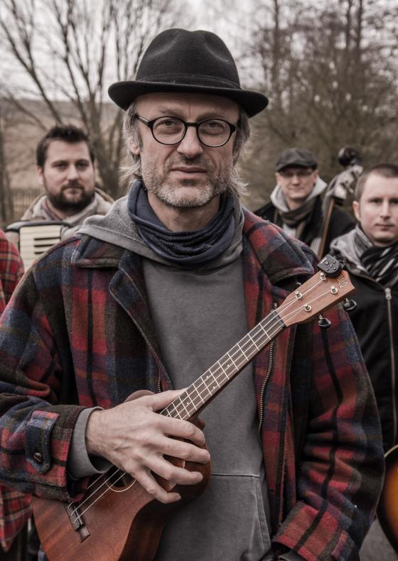Mirek Kemel s kapelou a Vladimírem Javorským